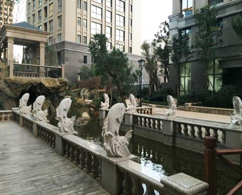 云南泰业房产景观-护栏雕塑